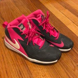 NWOT Nike basketball sneakers